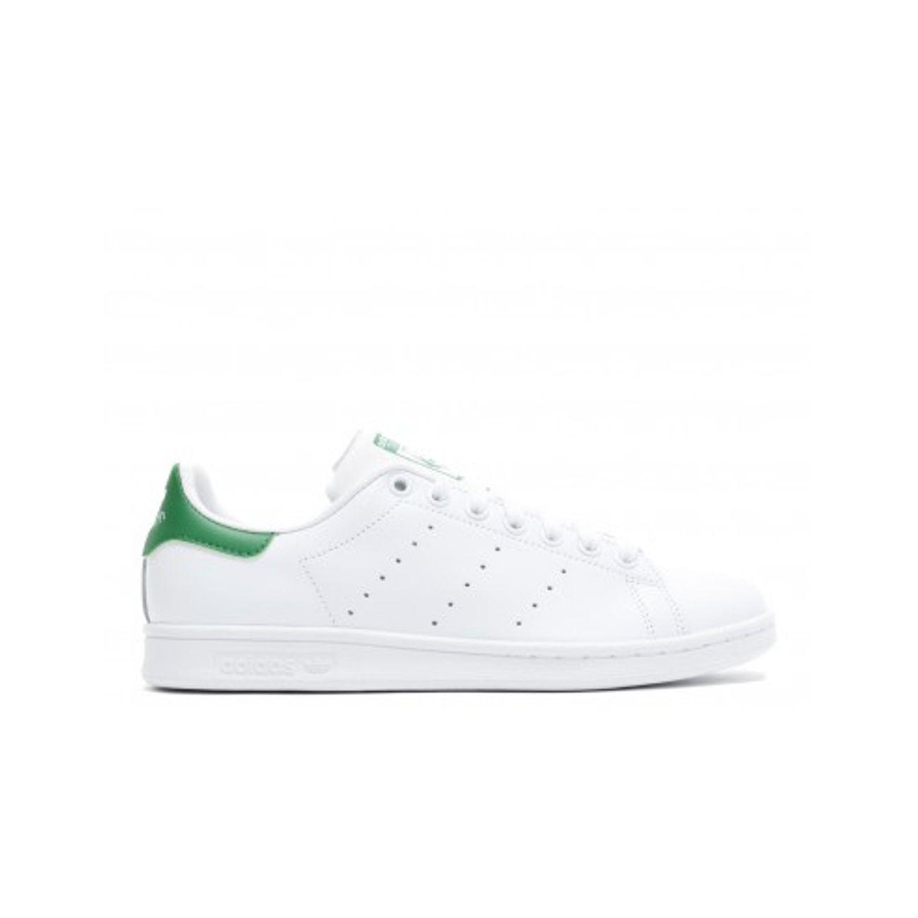 Chaussures Adidas STAN SMITH W </p>                 <!--bof Quantity Discounts table -->                                 <!--eof Quantity Discounts table -->                  <!--bof Product URL -->                                 <!--eof Product URL -->             </div>             <div id=