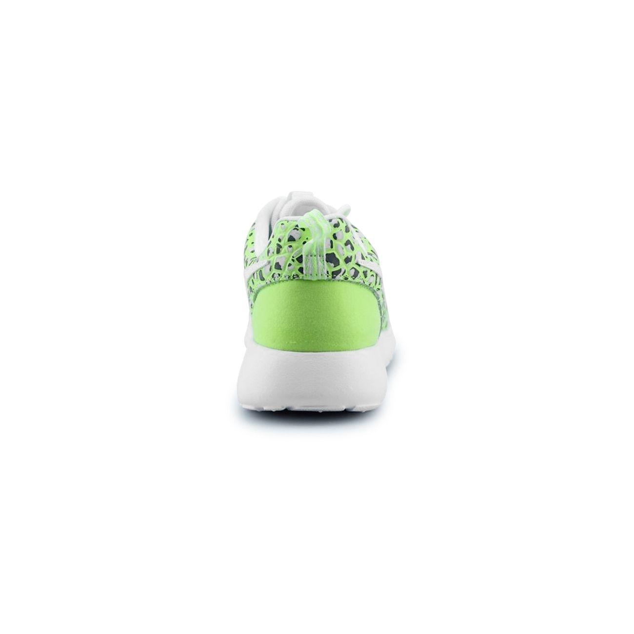 magasin en ligne 93217 7b38b Basket Nike Wmns Roshe One Premium Blanc 833928-100 – achat ...