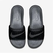 Tongs Nike Benassi Solarsoft noir