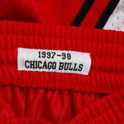 Short NBA Chicago Bulls 1997-98 Mitchell & Ness Swingman Rouge pour Homme taille - S
